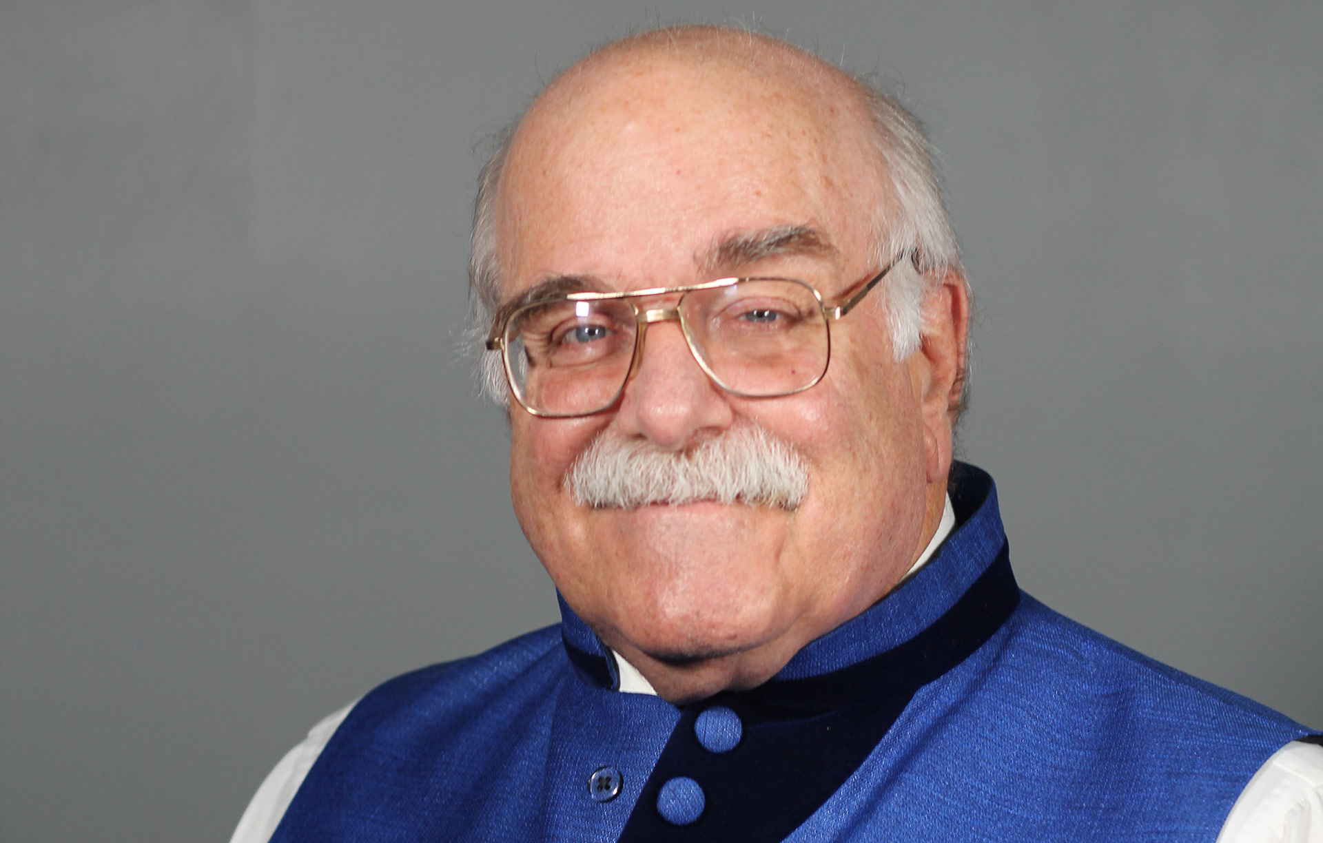 DR. ANDREW DERIER